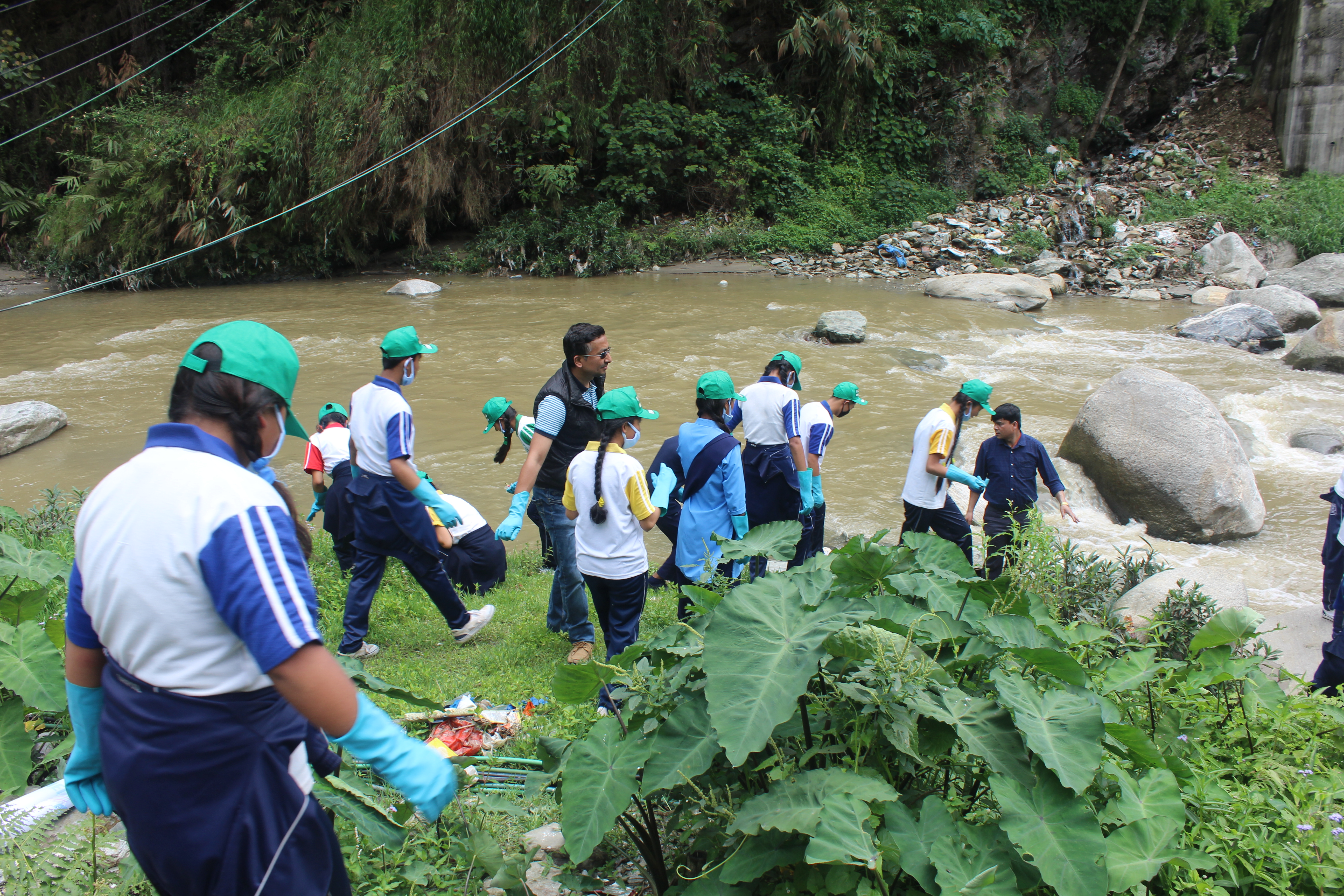 river cleanup drive2