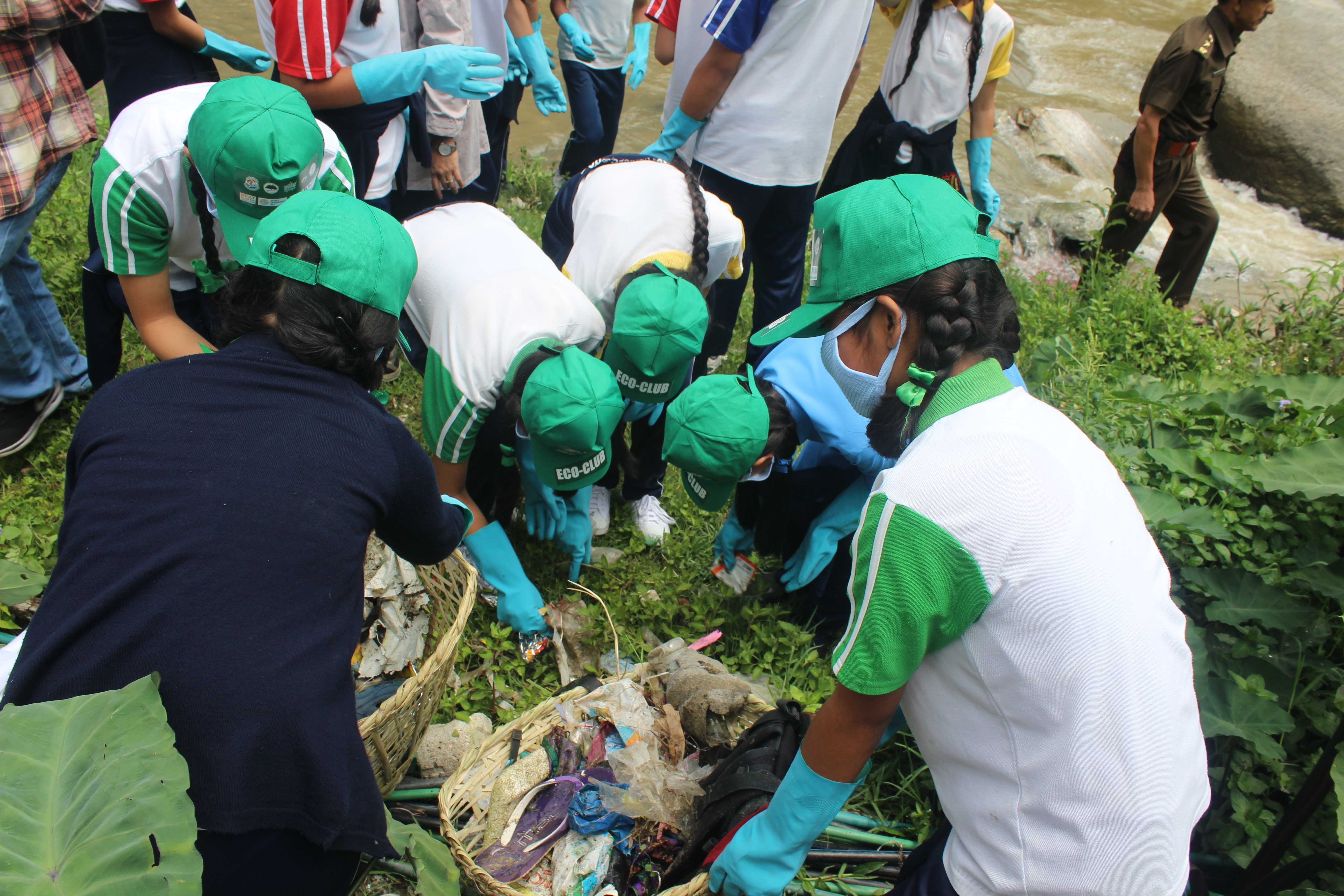 river cleanup drive3